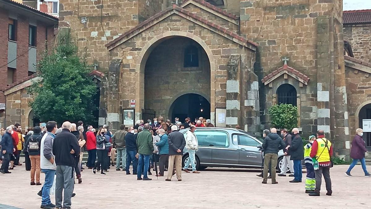 Moreda despide al historiador Guillermo Fernández Lorenzo | CAMPORRO
