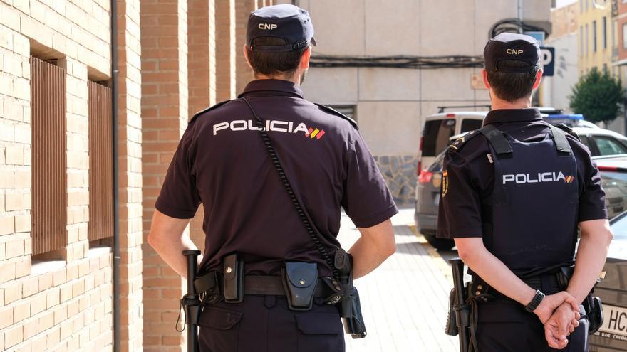 Detenido en Alicante un agresor sexual por el rastro de la tarjeta que le robó a la víctima