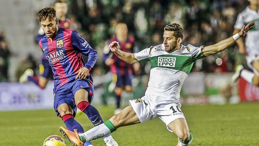 El Elche quiere borrar el duro precedente de las dos últimas palizas del Barça