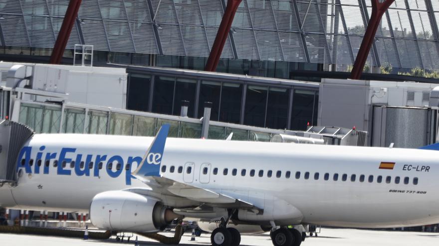 Canarias recupera 117 rutas aéreas para la temporada estival