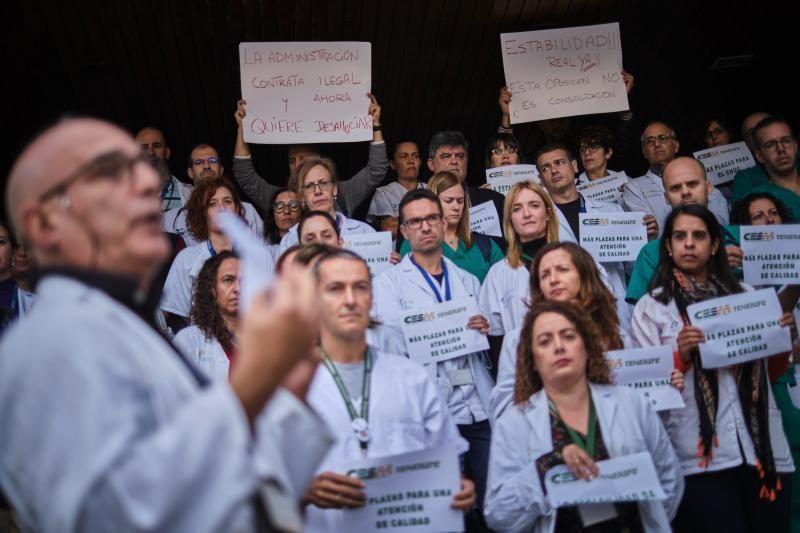 Protesta de médicos por las pocas plazas en la OPE