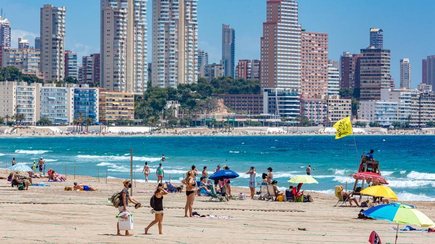 El 90% de los españoles que viaje este año en vacaciones lo hará a destinos nacionales, el 60% a la playa