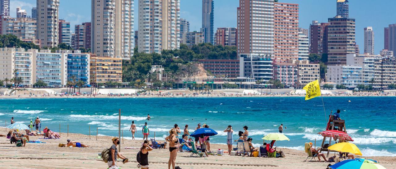 La playa sigue siendo el destino ideal para las vacaciones de verano