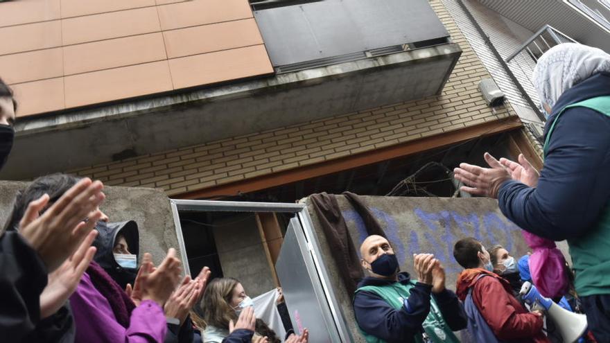 La manifestació de l'1 de maig a Manresa acaba amb l'ocupació d'un bloc d'habitatges per part de la PAHC