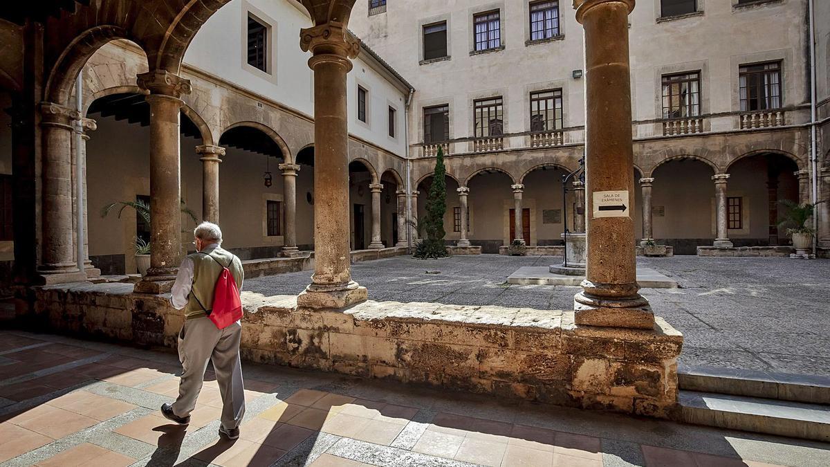 El claustro del edificio histórico del colegio de Montesión, que formará parte del museo de los jesuitas.