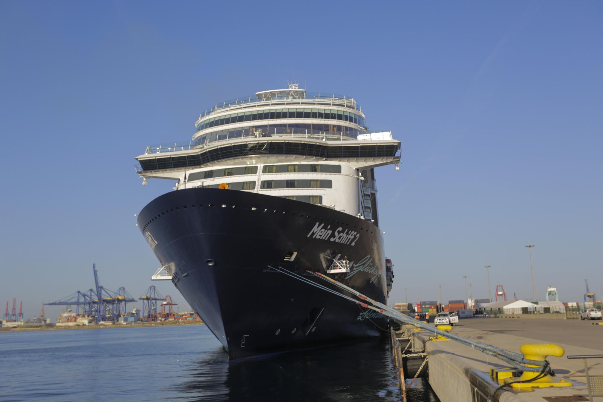 Llega a València el primer crucero tras la pandemia