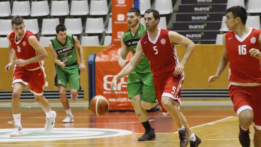 El Bàsquet Girona guanya el derbi i es manté líder