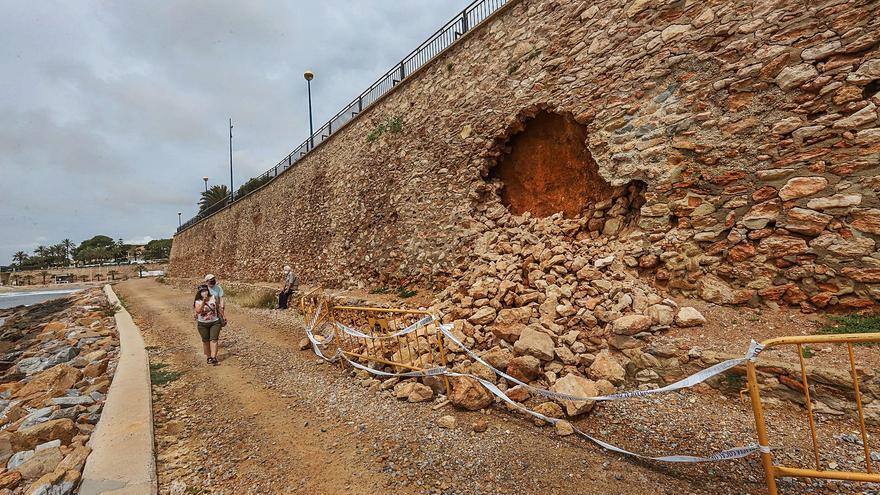 El tercer derrumbe en un paseo de Orihuela Costa pone en evidencia la inestabilidad del terreno