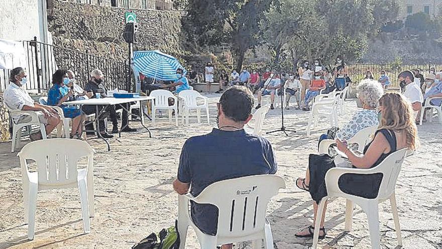 El Consell de Mallorca recoge propuestas de los vecinos de Estellencs para elaborar el PGOU