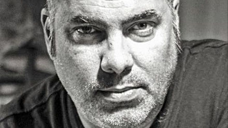El cineasta Maxi Velloso explora el terror en su primera novela