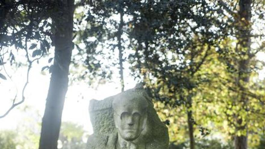 Monumentos de A Coruña pasan por el taller