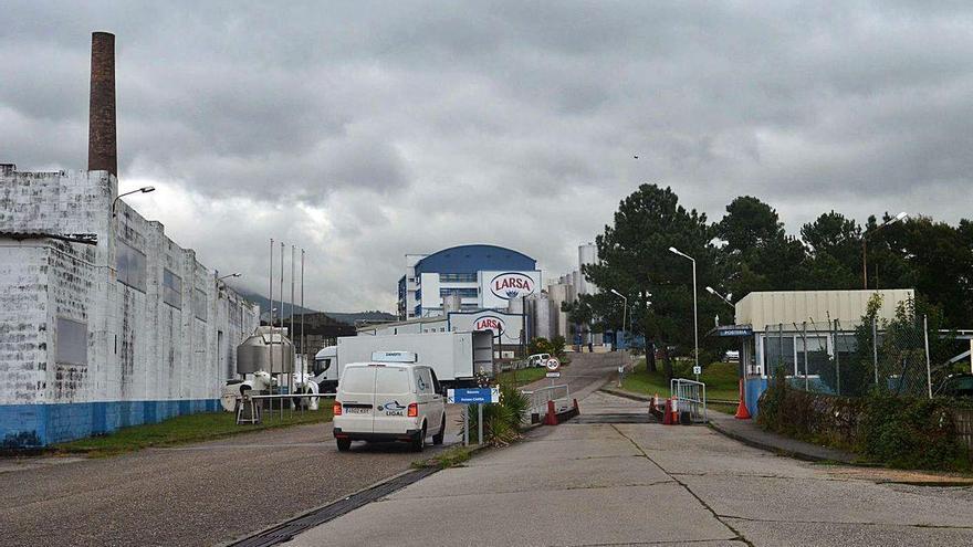 El Sergas confirma un brote de coronavirus en la fábrica de Larsa con tres trabajadores positivos