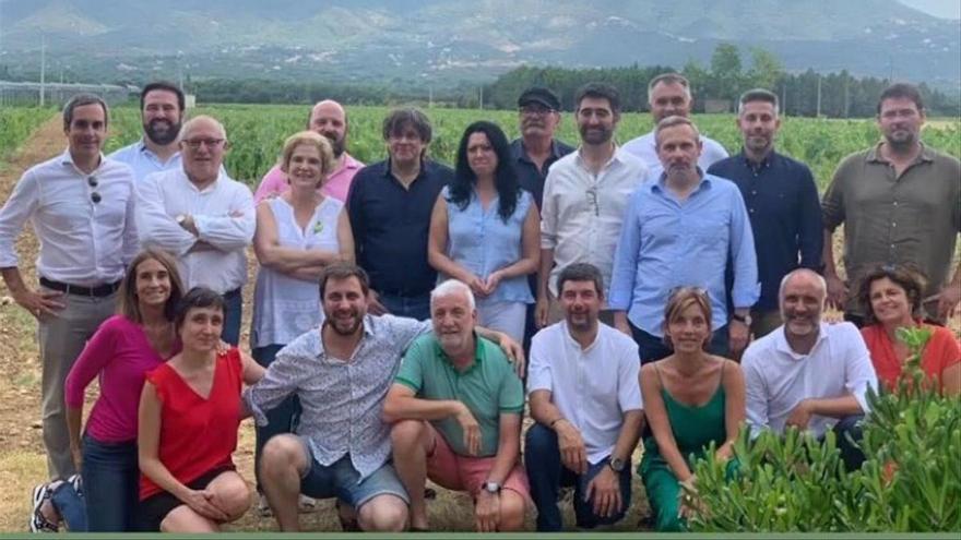 """Rahola reuneix Puigdemont i el seu cercle d'amics en una altra """"paella d'estiu"""""""