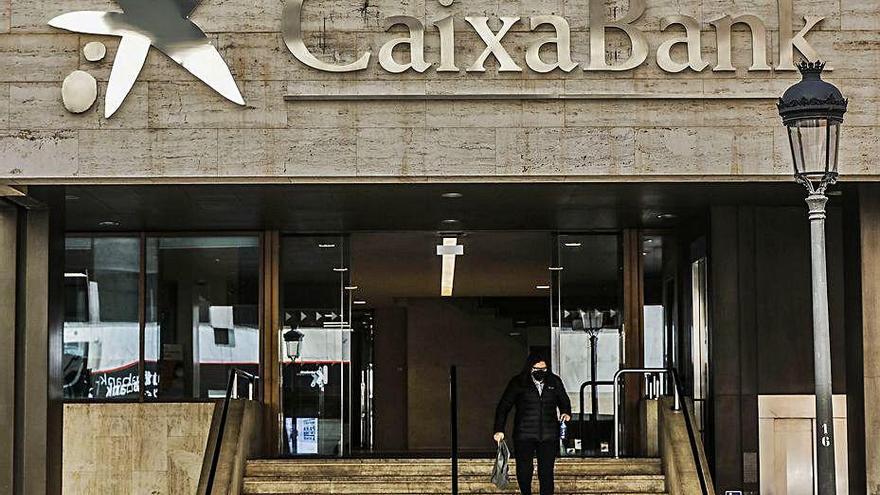 CaixaBank canvia la marca Bankia de les sucursals