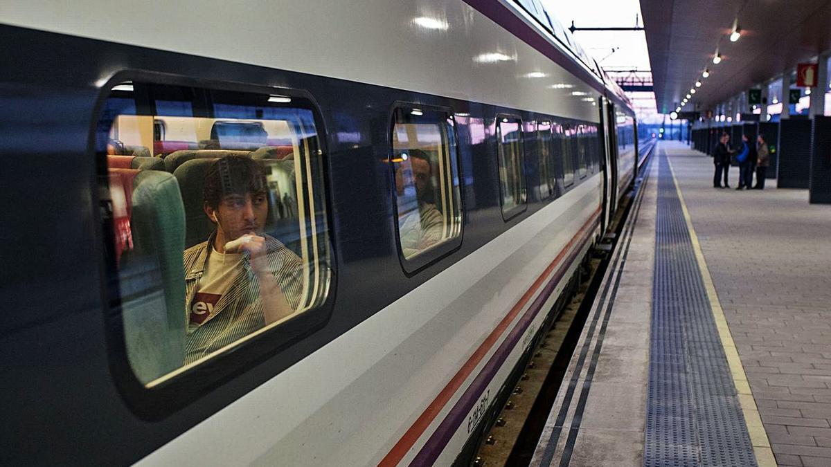El tren madrugador, cuando todavía unía Zamora con Madrid. | Emilio Fraile