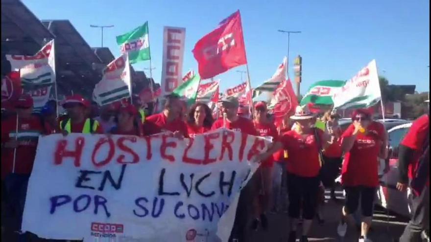 Inicio de la última jornada de la marcha por la hostelería