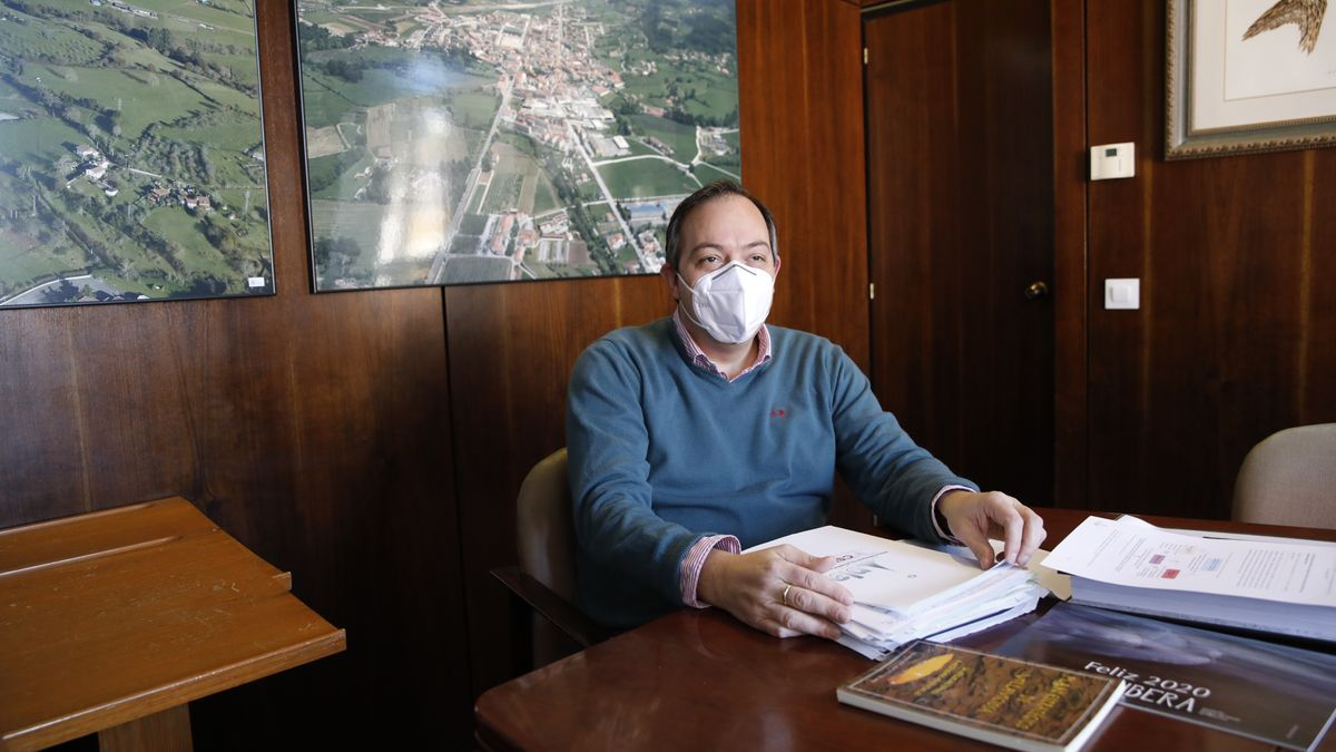 Alejandro Vega.