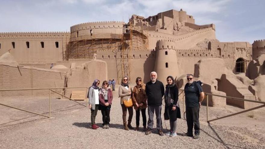 Siete valencianos siguen atrapados  en Teherán a la espera de un vuelo