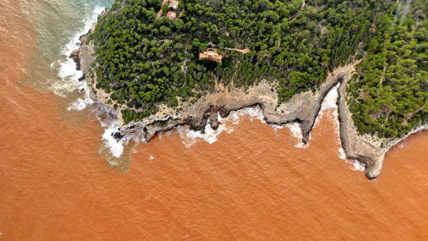 Luftaufnahmen: Große Mengen an fruchtbarem Boden ins Meer vor Mallorca gespült