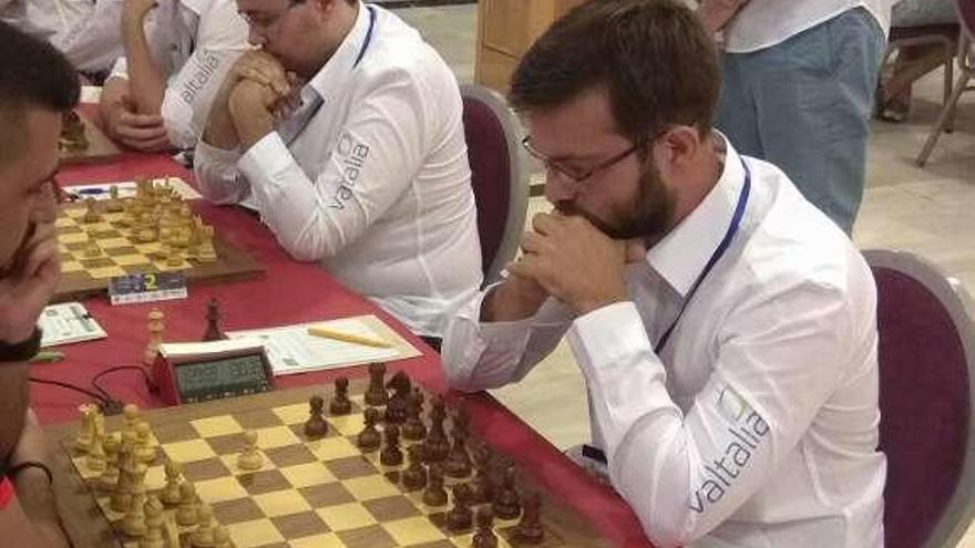 El ourensano Iván Salgado acaricia la sorpresa ante el campeón del mundo