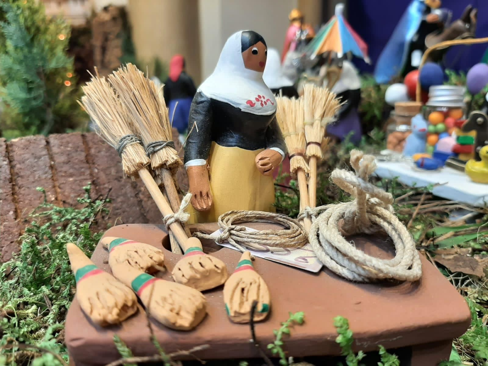 El Fornet de la Soca exhibe en Can Corbella un belén por el pequeño comercio y los artesanos