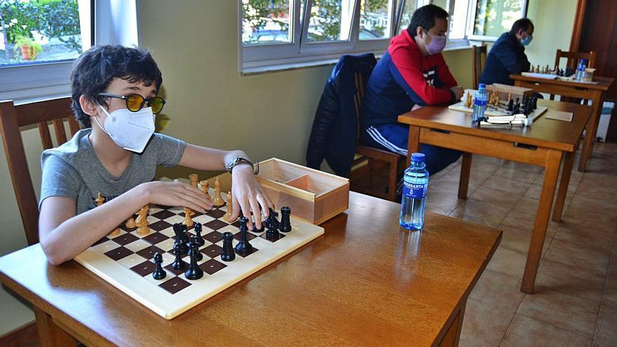 Trevías, cita fija para el ajedrez de ciegos