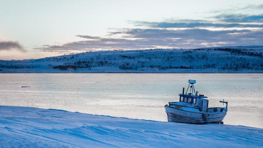 Unos 17 marineros desaparecidos en el hundimiento de un pesquero ruso en Barents