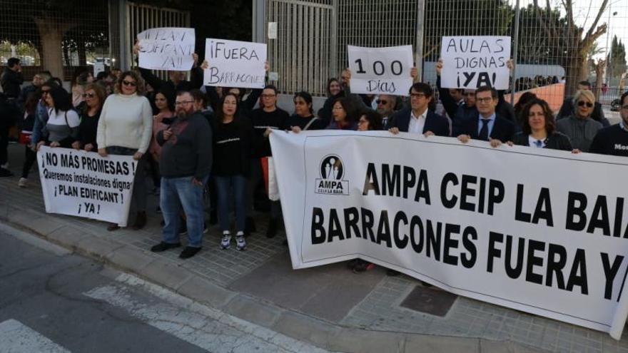 100 días de protestas en el colegio de Las Bayas