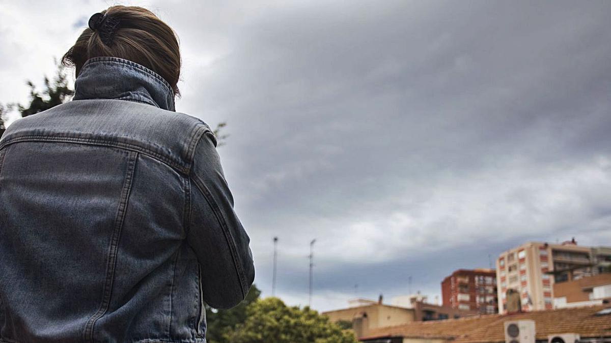 Fotografía de archivo de la mujer hondureña detenida cuando iba a denunciar un delito.  | G.CABALLERO
