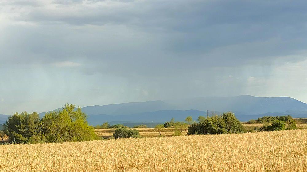 Cortines de pluja al Solsonès.