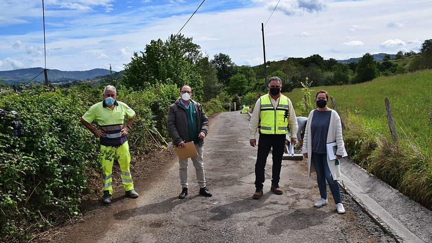 Se inicia la obra del camino de Pumarín, en Hevia (Siero)