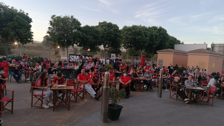 La afición del Mallorca sigue expectante en Son Moix el Cartagena-Almería, que puede llevar al equipo a Primera
