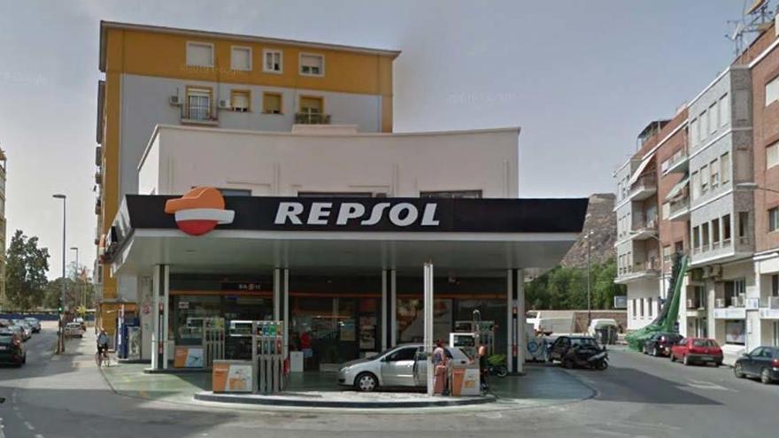 Explota una gasolinera de Cartagena per acumulació de gasos