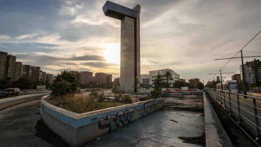 Ribó insiste en reutilizar la Torre Miramar como rocódromo