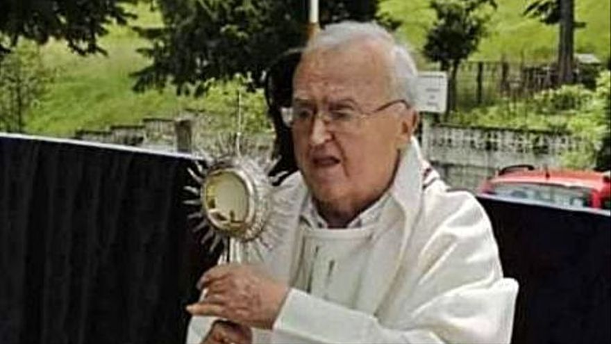 Fina'l Pepín Lobo, misioneru ayerán y cura defensor del asturianu