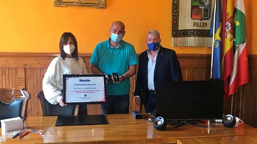 La Hermandad de Donantes premia al Ayuntamiento de Aller por su colaboración