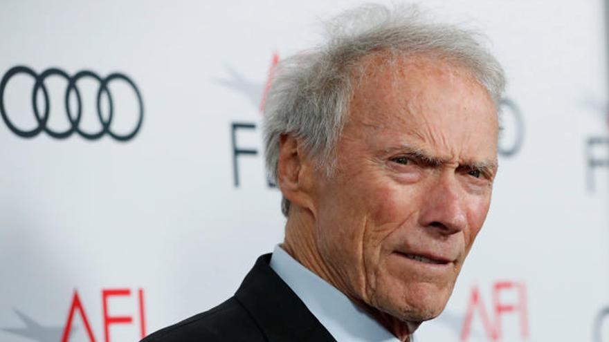 Críticas a la última película de Clint Eastwood por sugerir que una reportera ofreció sexo por datos