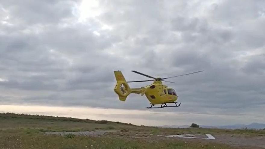 Evacuan en helicóptero a un visitante en Ons por una picadura