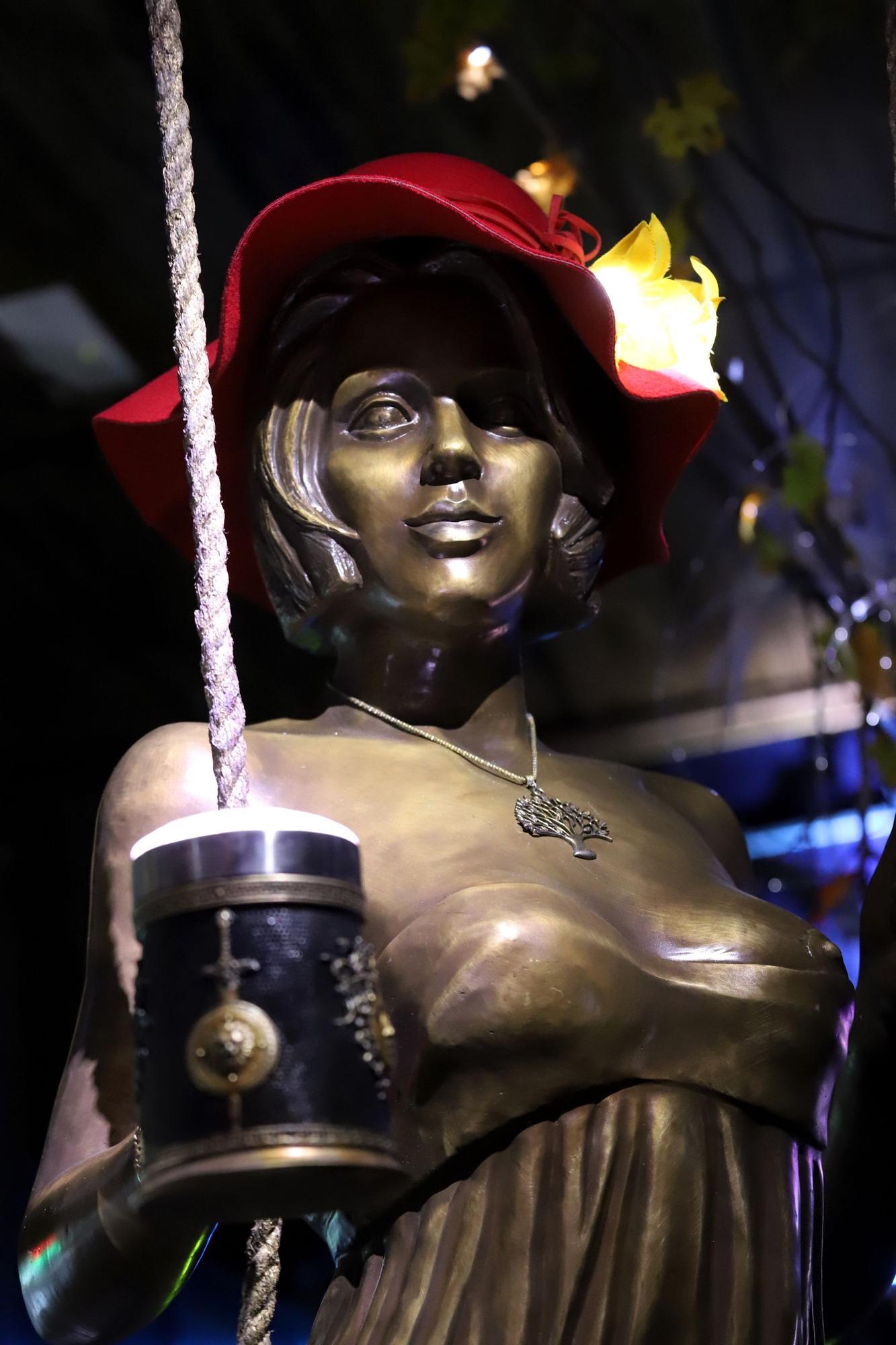 Cafetería Iguazú inaugura un grifo de cerveza hecho con una escultura de bronce