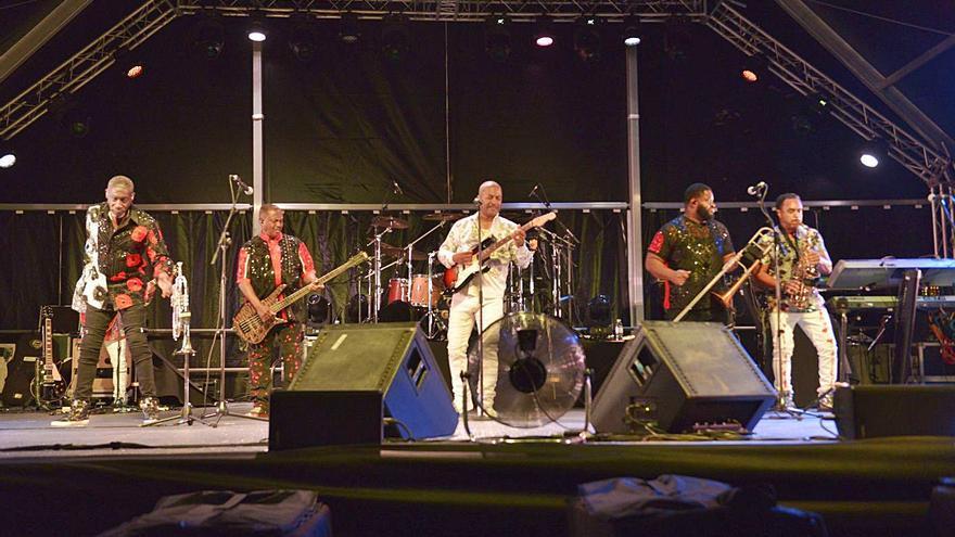 Port Adriano baila con Kool & The Gang