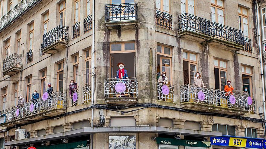 Diez balcones para diez mujeres