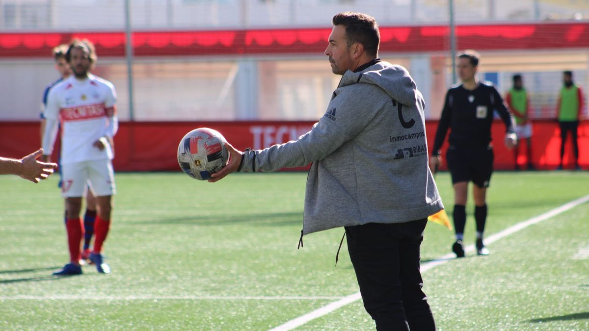 Óscar Troya durante un encuentro de esta temporada.