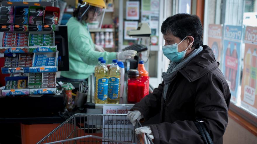 El sector del comercio reclama vacunar ya a los trabajadores de supermercados
