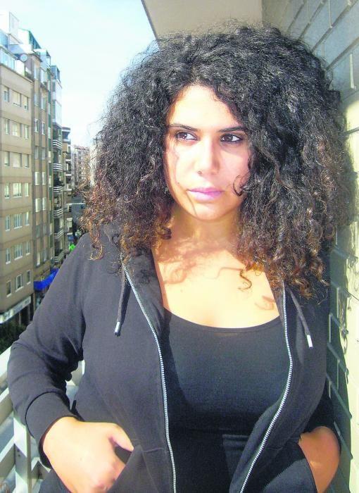 Oriana Méndez Fuentes (Marea). Licenciada en Filología Gallega por la Universidad de Santiago y poeta, forma parte de la dirección de la organización nacionalista Anova. Es hija del escritor y expresidente de la Real Academia Galega, Xosé Luís Méndez Ferrín.