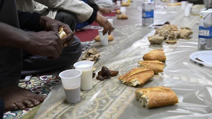 Los musulmanes de la Isla inician el segundo Ramadán en pandemia