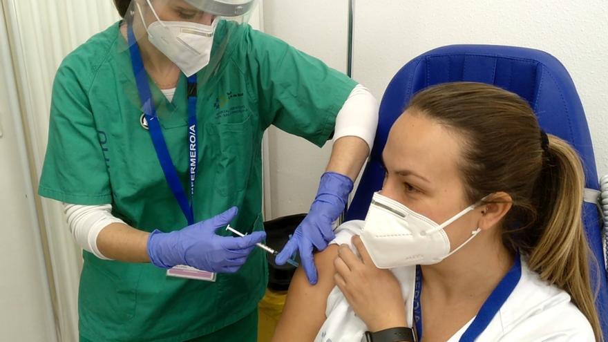 Sanidad podría empezar a vacunar al grupo III si llegan nuevas dosis