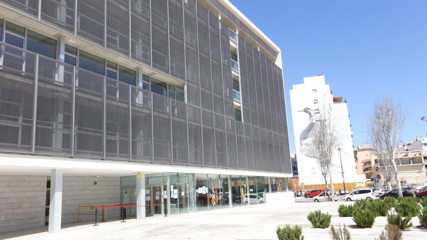 A juicio un hombre en Ibiza por ver porno con su hijo de 9 años