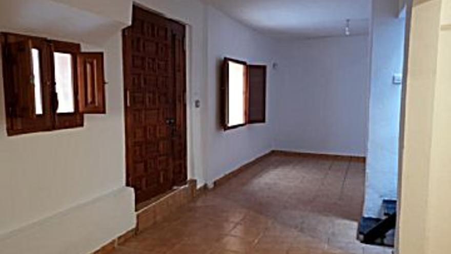 49.000 € Venta de casa en Xàtiva, 3 habitaciones, 2 baños...