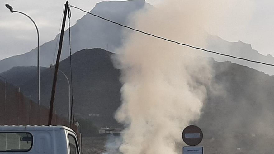 Declarado un incendio en Miraverde, Adeje