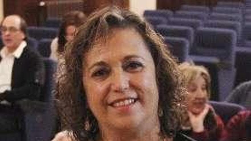 Rosalía Morlán presenta mañana en A Estrada un cuentopoemario